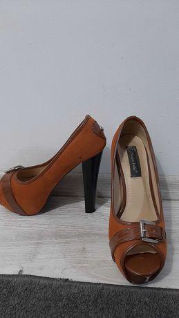 Pantofi dama marimea 38