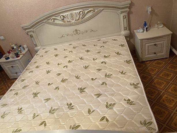 Продам срочно спальний гарнитур