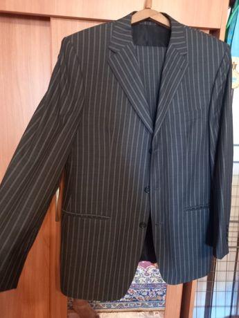 Продам костюм не дорого