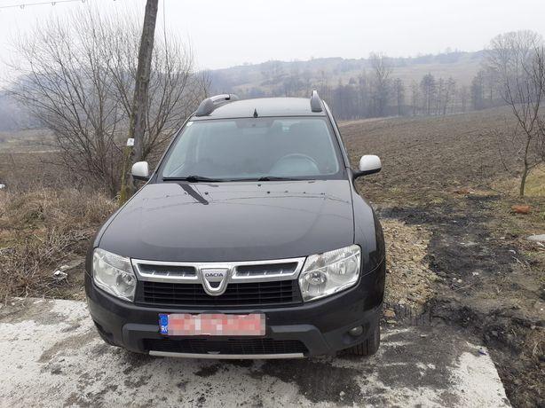 Vând Dacia duster