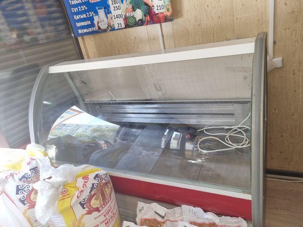 Продам  холодильник  витринный