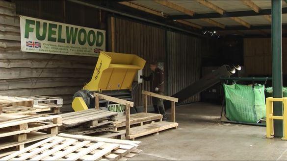 Шредер за европалета ,капаци и дървесина