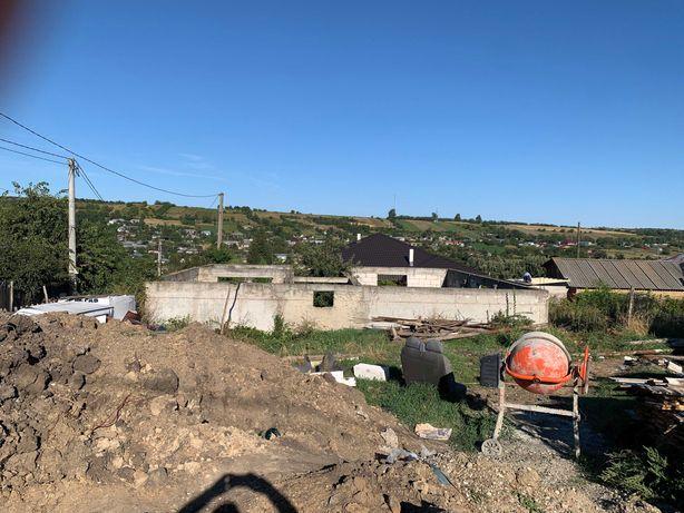 Casa in constructie + teren 600m2