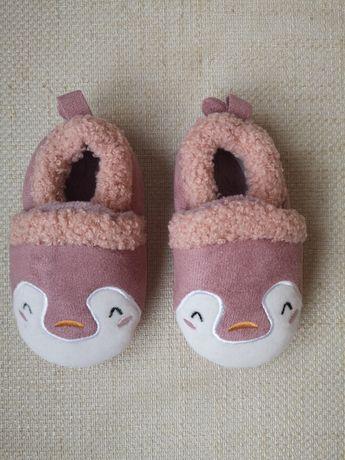 Нови бебешки домашни пантофки 12-18м