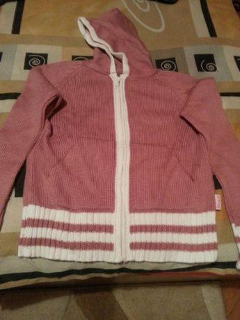 плетена жилетка за момиче