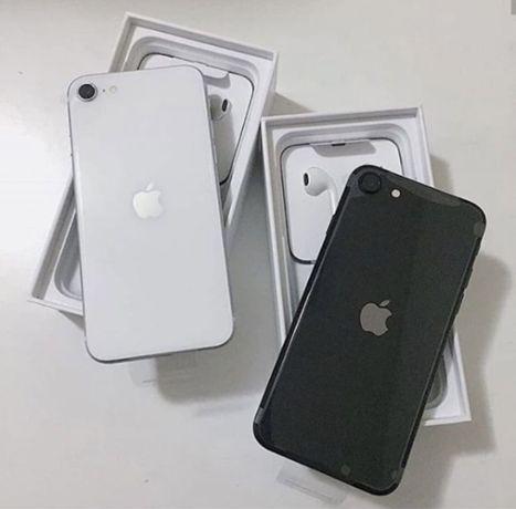 Apple iPhone SE 2020 модель 128 белый ГБ