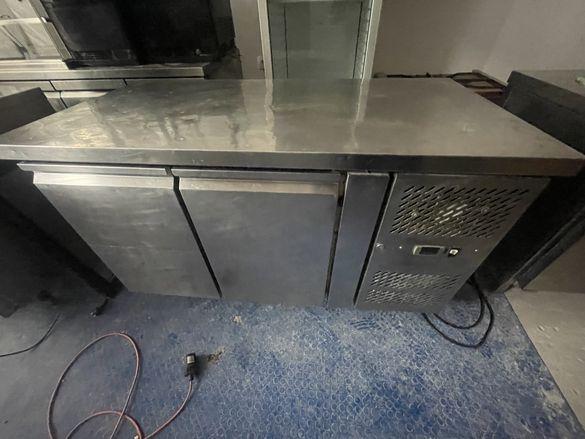 Хладилна маса 2врати 136см