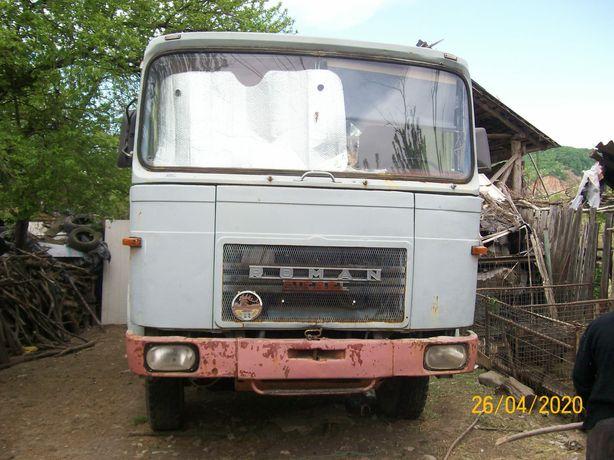 Vând camion Roman(Saviem)