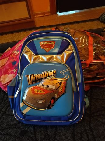 Школьный рюкзак для мальчика и девочки