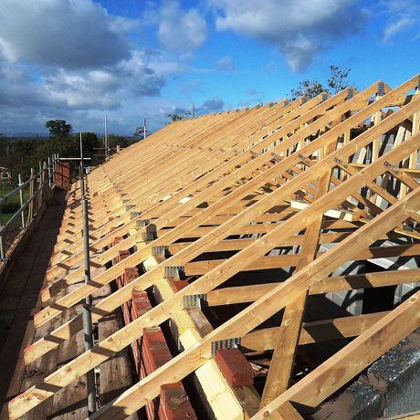 Executăm acoperișuri din toate tipurile de tablă mici reparații urgent