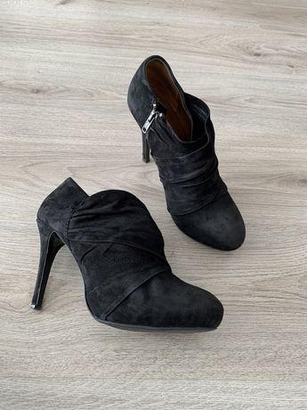 "Обувки на ""Zara"""