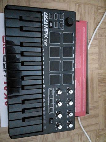 Миди клавиатура Akai MPK Mini Mk2 Черная Special Edition  Достоинства