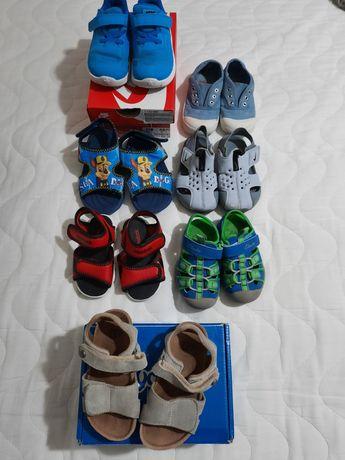 Детски сандали и обувки