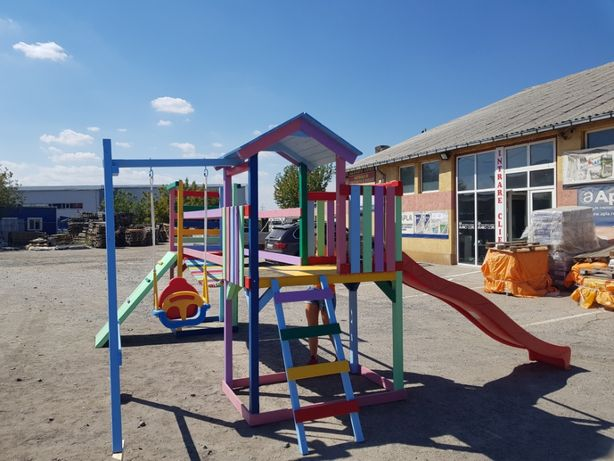 Turn , ansamblu , loc de joaca pentru copii