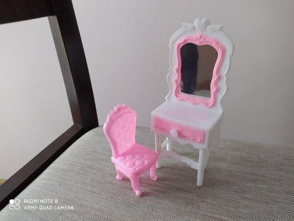 Скрин със стол за Барби