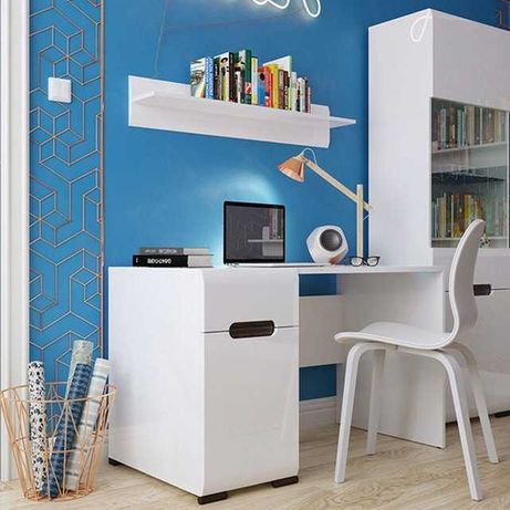 Столы письменные со склада