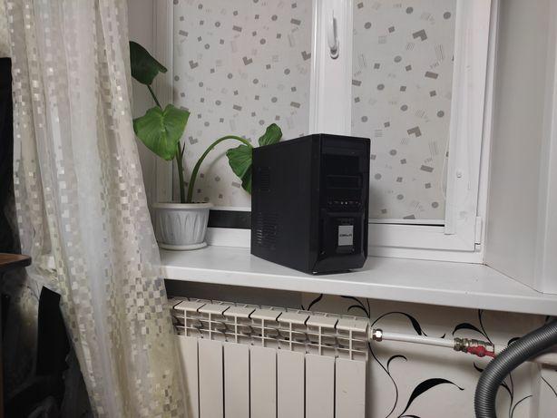Четырехядерный компьютер.