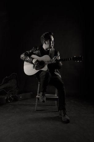 Музыкант, гитарист, певец