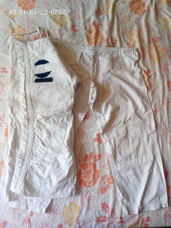 кимоно для единоборств плотное (усиленное) на 8-10 лет без пояса
