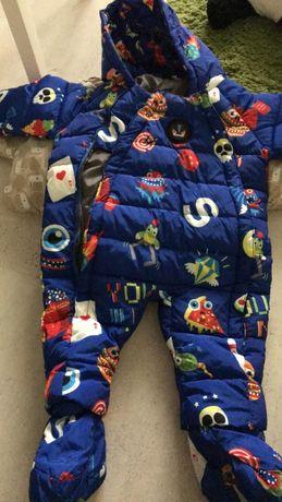 Топъл зимен гащеризон с качулка и вътрешни ботушки