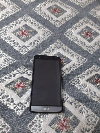 Телефон LG  3G .
