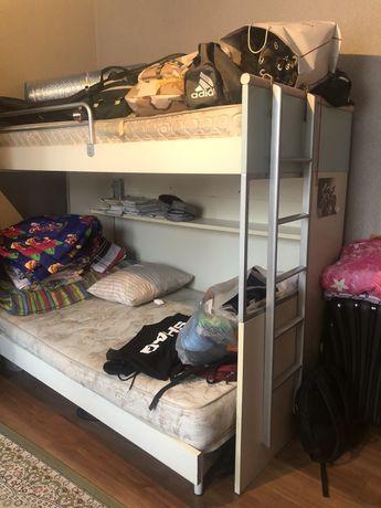 Двухярусная кровать продам