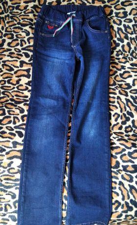 Отличные джинсы на осень, зиму и весну. Плотные. Качество отличное.
