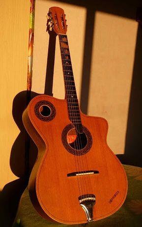 Продам гитара болгарская