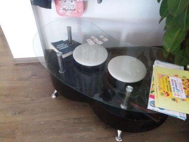 Masuta noua cu 2 taburete sau schimb cu scaun de  birou
