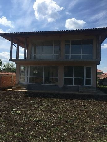Нова къща