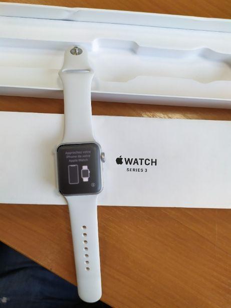 Apple Watch Series 3 38mm Aluminum Silver