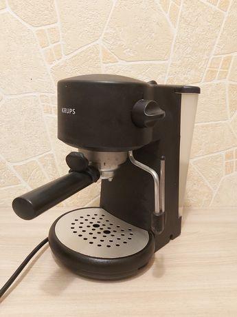 Кофеварка рожковая с каппучинатором Krups