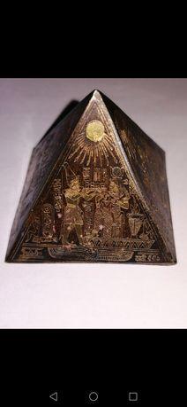 Mini piramida, unic România, lucrat manual