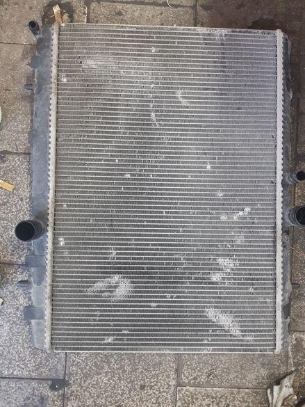 Воден радиатор citroen C5 peugeot 407 автоматик