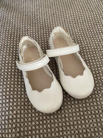 Продам новые туфли Next на девочку - 18 размер .