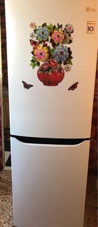 Продается холодильник LG.