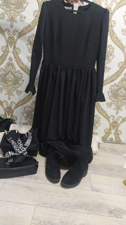 Продам платье и сапоги зимние бонусом сумки в подарок