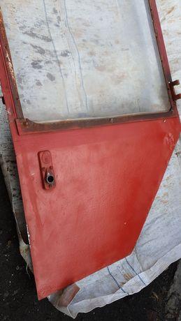 Дверь на трактор т25