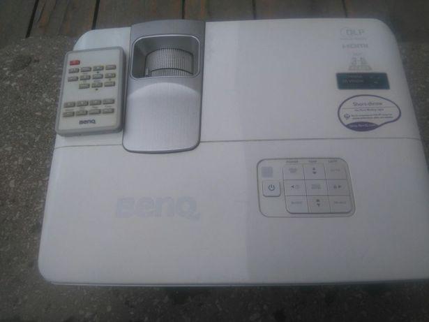 Proiector Benq KTL ZU 100, defect, lampa noua.