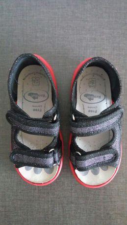 Детски обувки/ домашни пантофи/ сандали за пролет и лято