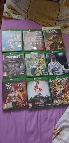Vând jocuri Xbox one s