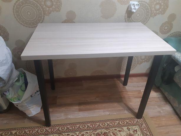 Стол для кухни  в отличном состоянии
