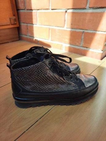 Ботинки кожаные, стильные, р-р 39. Осень. Европейское качество.