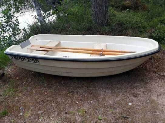 Vand barca portabila cu motor - Nu necesita permis sau inmatriculare