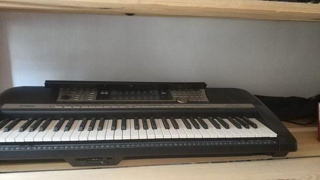 Синтезатор Yamaha PSR 740