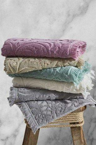 джакардовые банные полотенца