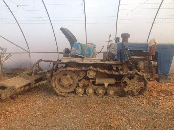 Верижен трактор Болгар Т54