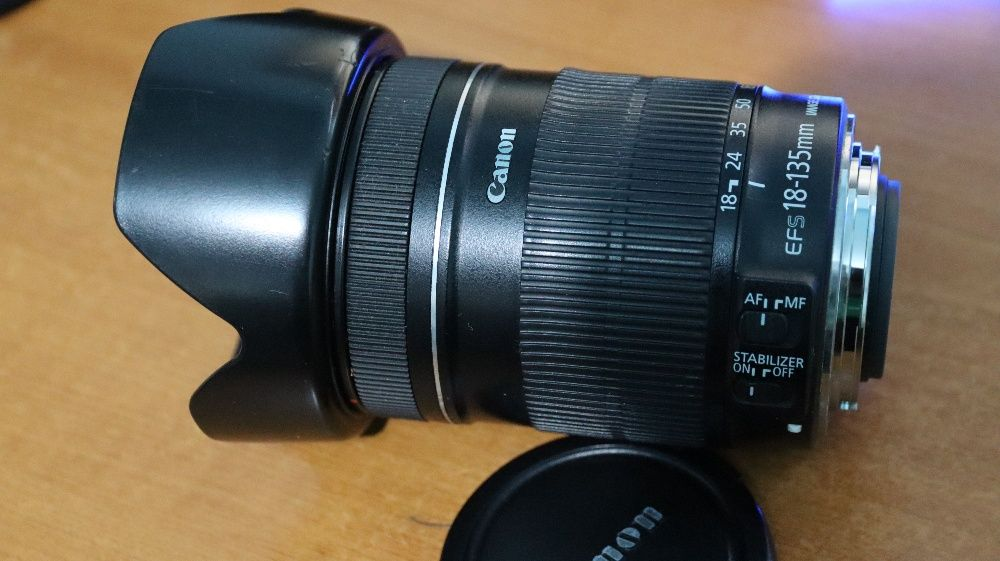 Obiectiv FOTO Canon EFS 18-135mm cu stabilizare