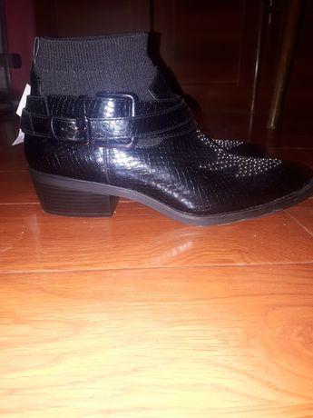 новые стильные полу ботинки казачки Bershka Испания 38 размер