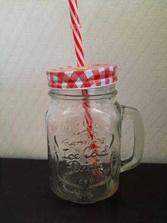 Стеклянный стакан, кружка